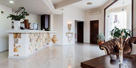 Reception på hotell Sophia Beach i Platanias på Kreta, Grekland.