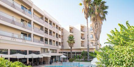 Poolområde på hotell St Constantine på Kos, Grekland.