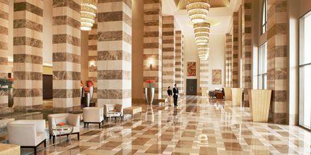 Lobby på hotell St Regis Doha i Doha, Qatar.