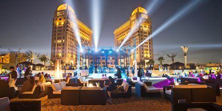 Kväll vid hotell St Regis Doha, i Doha, Qatar.