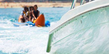 Banana boat är bara en av många aktiviteter som erbjuds på hotell St Regis Doha.
