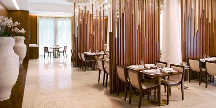 Restaurang Al-Sultan Brahim på hotell St Regis Doha i Doha, Qatar.