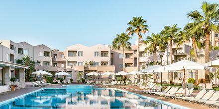 Poolområde på Stellina Village Resort, Kreta, Grekland.