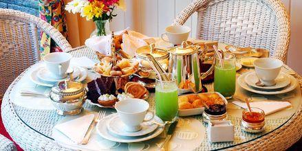 Afternoon tea i Storbritannien - ett måste på resan.