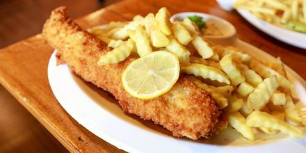 En av Storbritanniens nationalrätter - smarriga fish & chips!