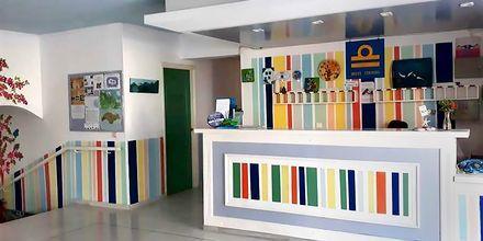 Lobby på hotell Stratos i Pythagorion på Samos, Grekland.