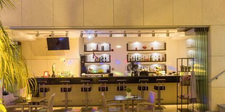 Bar på hotell Summertime i Platanias på Kreta, Grekland.