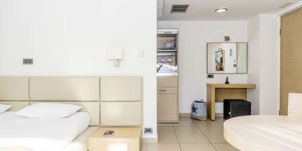 Enrumslägenhet superior på hotell Summertime i Platanias på Kreta, Grekland.
