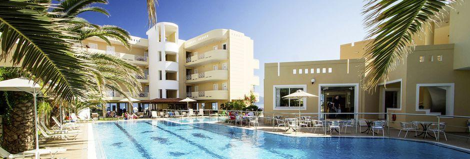 Poolområdet på hotell Sunny Bay i Kastelli, Kreta.
