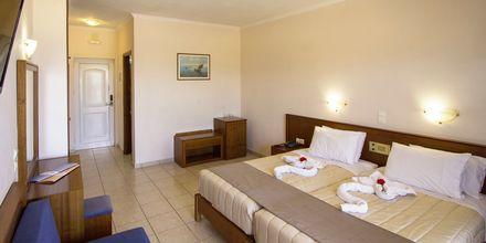 Dubbelrum på hotell Sunny Bay i Kastelli, Kreta.
