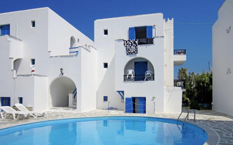 Poolen på hotell Sunny Beach Studios på Naxos, Grekland.