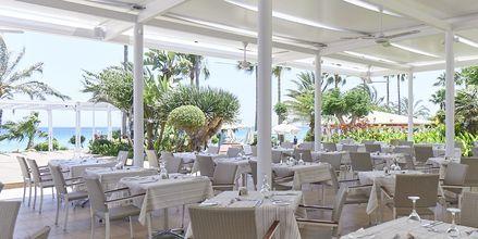 Restaurang Levanda på Sunrise Beach i Fig Tree Bay, Cypern.