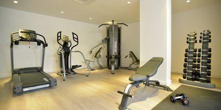 Gym på hotell Sunrise Garden i Fig Tree Bay, Cypern.