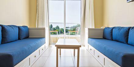 Tvårumslägenhet på hotell Sandra Garden i Fig Tree Bay, Cypern.
