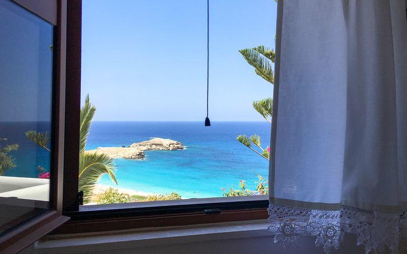 Utsikten från hotell Sunset i Lefkos på Karpathos, Grekland.
