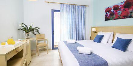 Dubbelrum på hotell Sunshine på Santorini, Grekland.