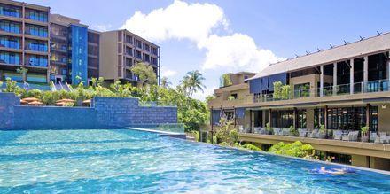 Pool på Sunsuri Phuket i Nai Harn Beach på Phuket, Thailand.