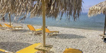 Stranden nedanför hotell Sunwaves i Vassiliki på Lefkas.
