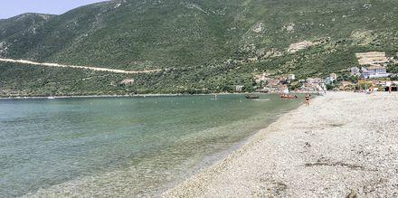 Stranden vid hotell Sunwaves i Vassiliki på Lefkas.