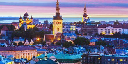 Tallinn, Estland på kvällen.