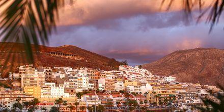 Utsikt över bergen i Los Cristianos på Teneriffa.