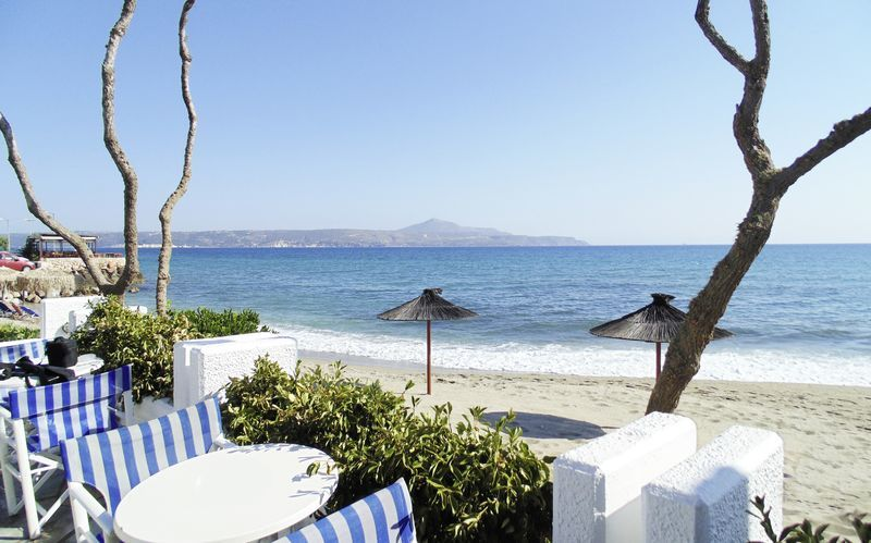 Stranden utanför Thamirakis Studios i Kalives, Kreta.