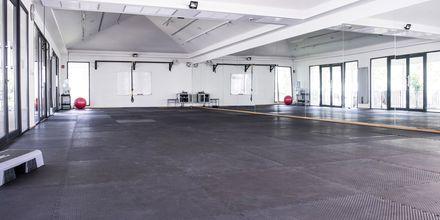 Rymliga lokaler för gympass och annan gruppträning.