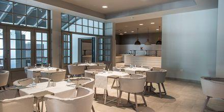 Restaurangen på The Bay Hotel & Suites i Vasilikos, Zakynthos.