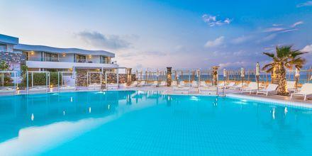 Poolområde på The Island på Kreta, Grekland.