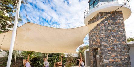 Yogalektion på The Island på Kreta, Grekland.