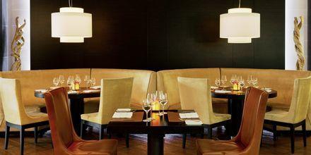 Restaurang Hunters Room & Grill på The Westin Dubai Mina Seyahi.