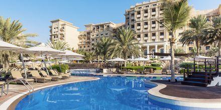 Poolområde på The Westin Dubai Mina Seyahi i Dubai, Förenade Arabemiraten.
