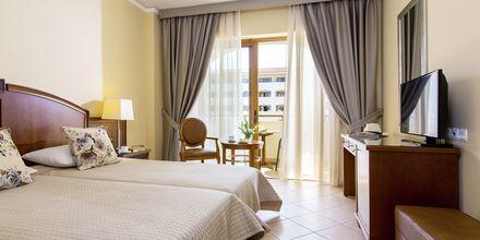Familjerum på hotell Theartemis Palace på Kreta, Grekland.