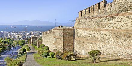 Ruin av det bysantiska slottet i Thessaloniki, Grekland.