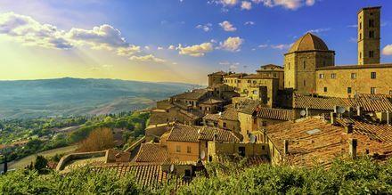 Staden Volterra ligger på en bergstopp och har fantastisk utsikt.