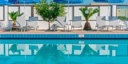 Poolområdet på hotell Tropical Sol i Tigaki på Kos, Grekland.