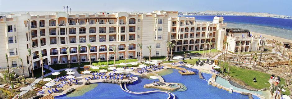 Poolområde på hotell Tropitel Sahl Hasheesh i Sahl Hasheesh, Egypten.