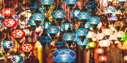 I Turkiet finns det gott om shopping, både traditionella souvenirer och internationell shopping.