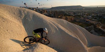 Kappadokien i Turkiet är en populär destination för cykling.