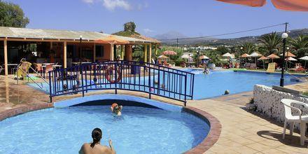 Barnpool på hotell Varvara's Diamond i Rethymnon, Kreta.
