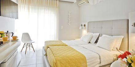 Enrumslägenhet på hotell Venezia i Karpathos stad, Grekland.
