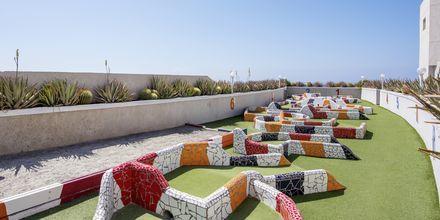 Minigolf på hotell Vigilia Park i Los Gigantes på Teneriffa, Kanarieöarna.