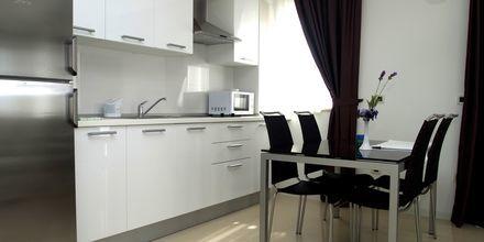 Tvårumslägenhet på hotell Villa 3M i Tucepi, Kroatien.