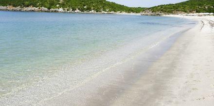 Stranden vid hotell Villa Andreas i Ammoudia, Grekland.