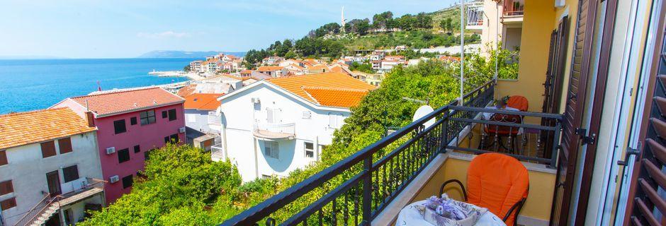 Trerumslägenhet på Villa Lara i Podgora på Makarska rivieran, Kroatien.