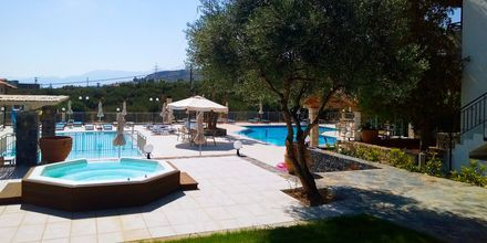 Jacuzzi på Villa Vicky i utkanten av Hersonissos, Kreta.