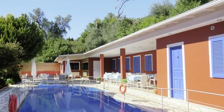 Pool på hotell Vliho Bay Boutique Hotel på Lefkas, Grekland.