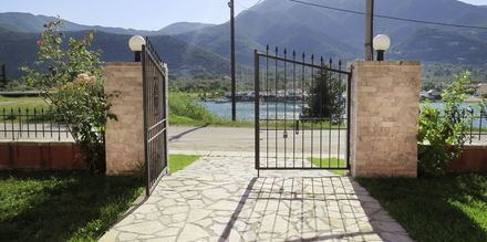 Utsikt från hotell Vliho Bay Boutique Hotel i Lefkas, Grekland.