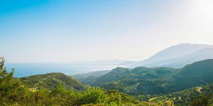 Vy över Votsalakia på Samos, Grekland.