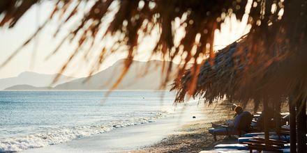 Skymning vid stranden i Votsalakia på Samos, Grekland.